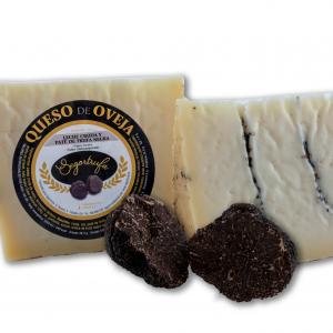 Cuña de queso de oveja con mermelada de trufa